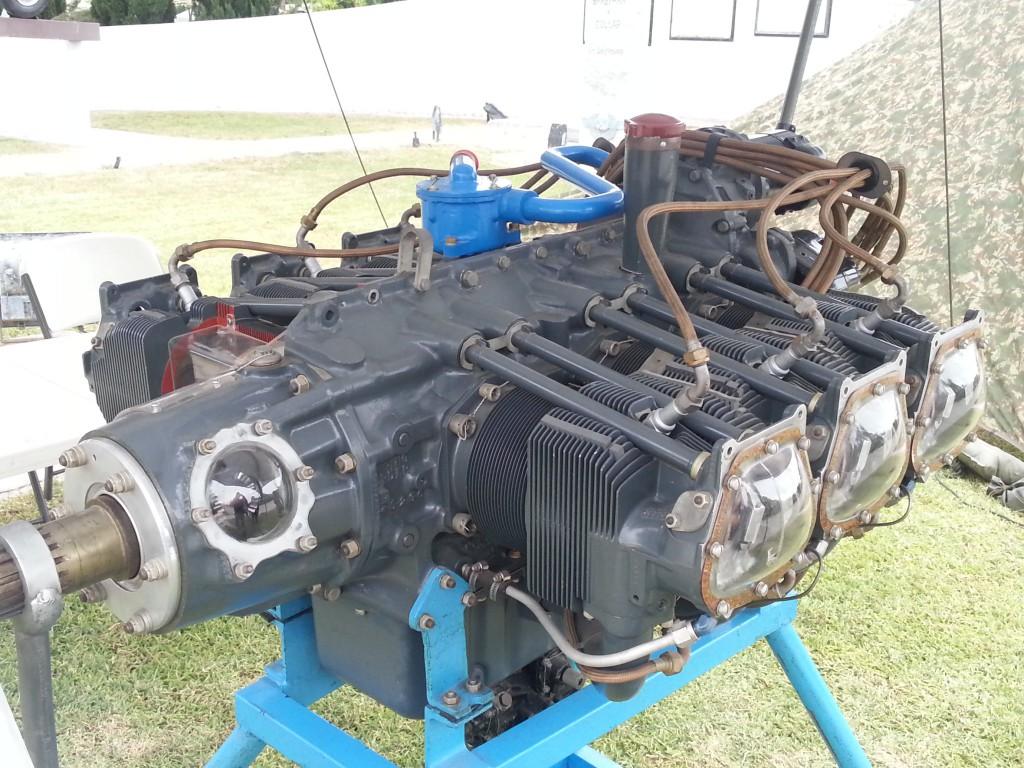 Motor de aviación, de seis cilindros opuestos y utilizado en aviones como el CASA Dornier Do-27. Era capaz de desarrollar 340 Hp a nivel del mar.