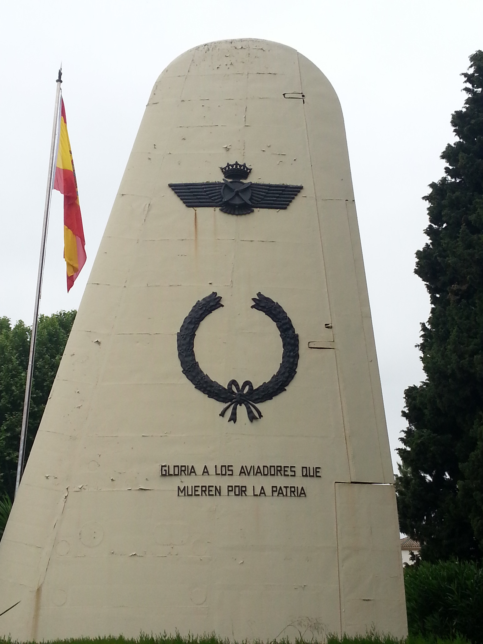 Gloria a los aviadores que mueren por la patria