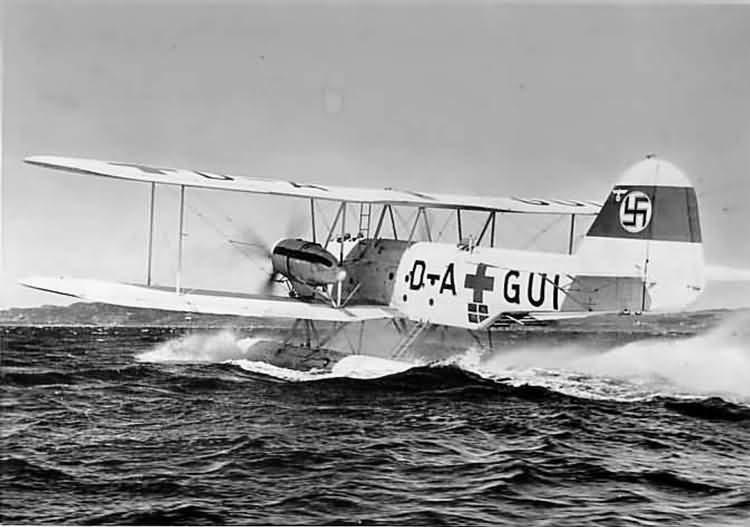 He 59C-2 acelerando sobre el agua para despegar, en julio de 1940 (Fuente: Alfarrabista German Press Photos Collection)
