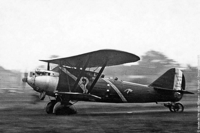 "El Breguet XIX TF ""Point d´Interrogation"" despega de Le Bourget el 1 de Septiembre de 1930, rumbo a los Estados Unidos"