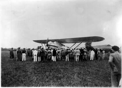 """última fotografía tomada en el aeródromo de Columbia al """"Cuatro Vientos"""" antes de despegar hacia su destino (Fuente: Ejército del Aire)"""