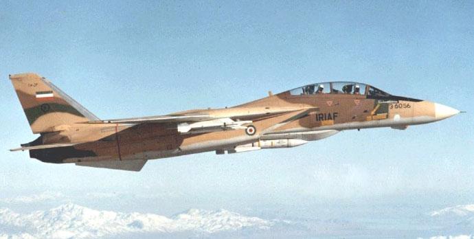 El F-14A 3-6056, armado con dos AIM-54A y cuatro AIM-9P patrullando sobre la frontera norte iraní, a mediados de los ochenta (Tom Cooper & Farzad Bishop).