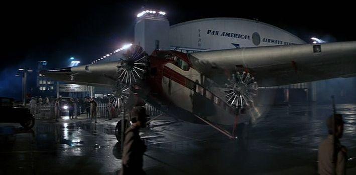 El Ford Trimotor propiedad de Lao-Che listo para iniciar su vuelo al Himalaya. (Fuente: impdb.org)