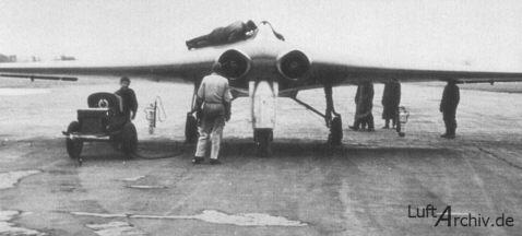 Segundo prototipo del Go-229 en Oranienburg, a principios de 1945 (Fuente: LuftArchiv.de)