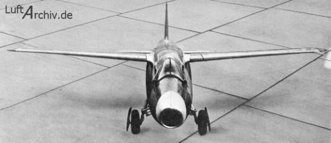 Vista frontal del prototipo He 178V1 en Rostock (Fuente: Luftarchiv.de)