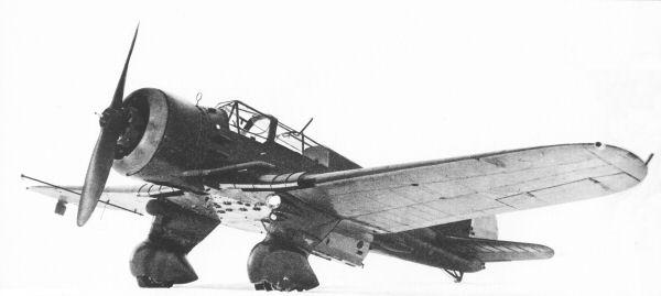 Un PZL P.23 Karaś. Este avión de observación y bombardeo ligero llegó a equipar 14 escuadrones de bombardeo. Buen avión cuando entró en servicio, quedó rápidamente anticuado y fue presa fácil de los alemanes
