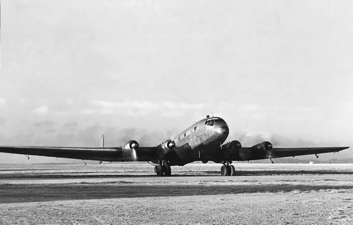 El Junkers Ju 290 A-5 74-23 del Ejército del Aire acelera sus cuatro grandes motores para iniciar el despegue (Fuente: Juan M. González/AviationCorner.net)