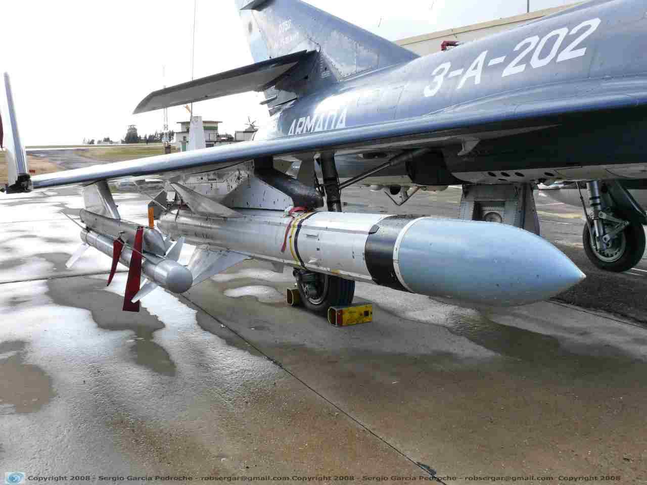 Inglaterra Ofrece Portaviones a la Armada de Chile