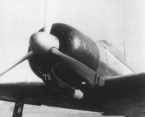 Primer plano de un Zero A6M2 modelo 21, con su motor Sakae 12 y su hélice de tres palas y paso variable Sumitomo