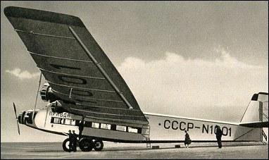Vista lateral del ANT-14. Obsérvese el fuselaje de aluminio corrugado, la considerable envergadura (40 metros de punta a punta) y el tren de aterrizaje doble. (fuente: aviastar.org)