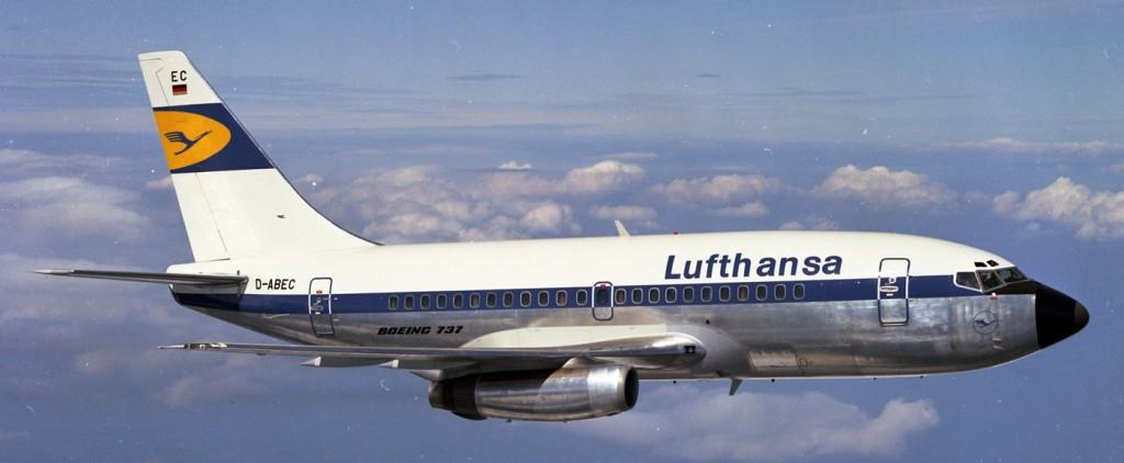 Lufthansa fue el cliente de lanzamiento del modelo, del que adquirió de la primera versión un total de 22 ejemplares