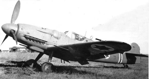 S-199 israelí en tierra. Respecto a un Bf109G se advierte la mayor longitud del morro