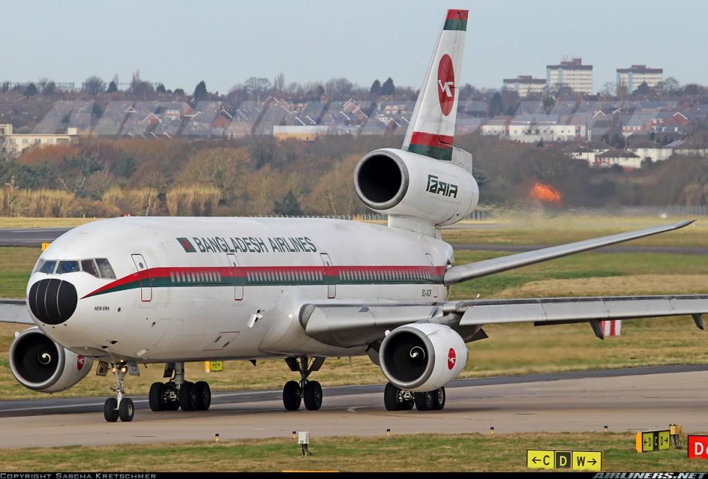 El McDonnell Douglas Dc-10-30 S2-ACR de Biman Bangladesh en su último vuelo, aterriza en el aeropuerto de Birmingham (fuente: Sascha Kretschmer / Airliners.net)