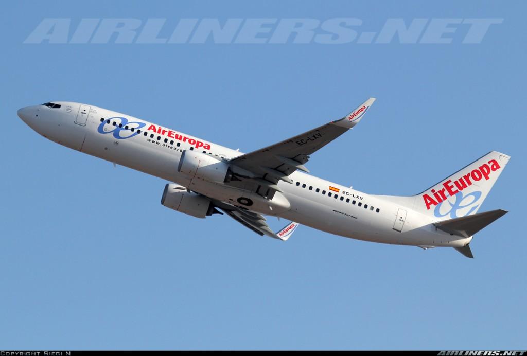 Uno de los clientes más fieles del Boeing 737 es la española Air Europa, que entre su flota cuenta con un buen numero de ejemplares del 737-800, como este EC-LXV despegando del aeropuerto Ben Gurion de Tel Aviv (Fuente: Siegi N/Airliners.net)