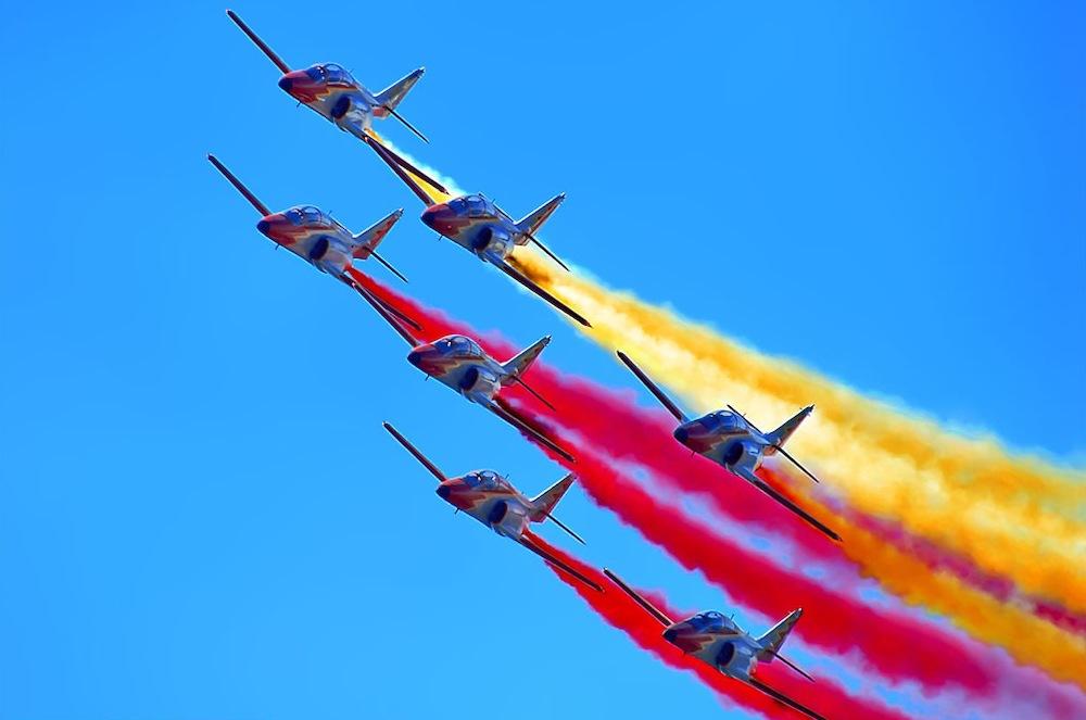Regresa la Patrulla Águila a los cielos de Madrid para celebrar los actos centrales del Día de las Fuerzas Armadas de 2014 (fuente: libertaddigital.com)