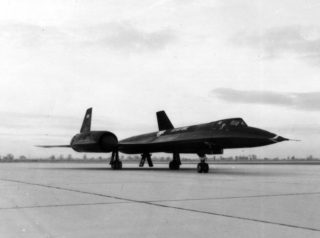 Vista del primer Lockheed SR-71A entregado a la USAF en 1966 (S/N 61-7950). (U.S. Air Force photo)