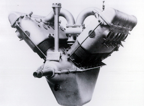 El motor de 8 cilindros en V a 90 grados Hispano Suiza