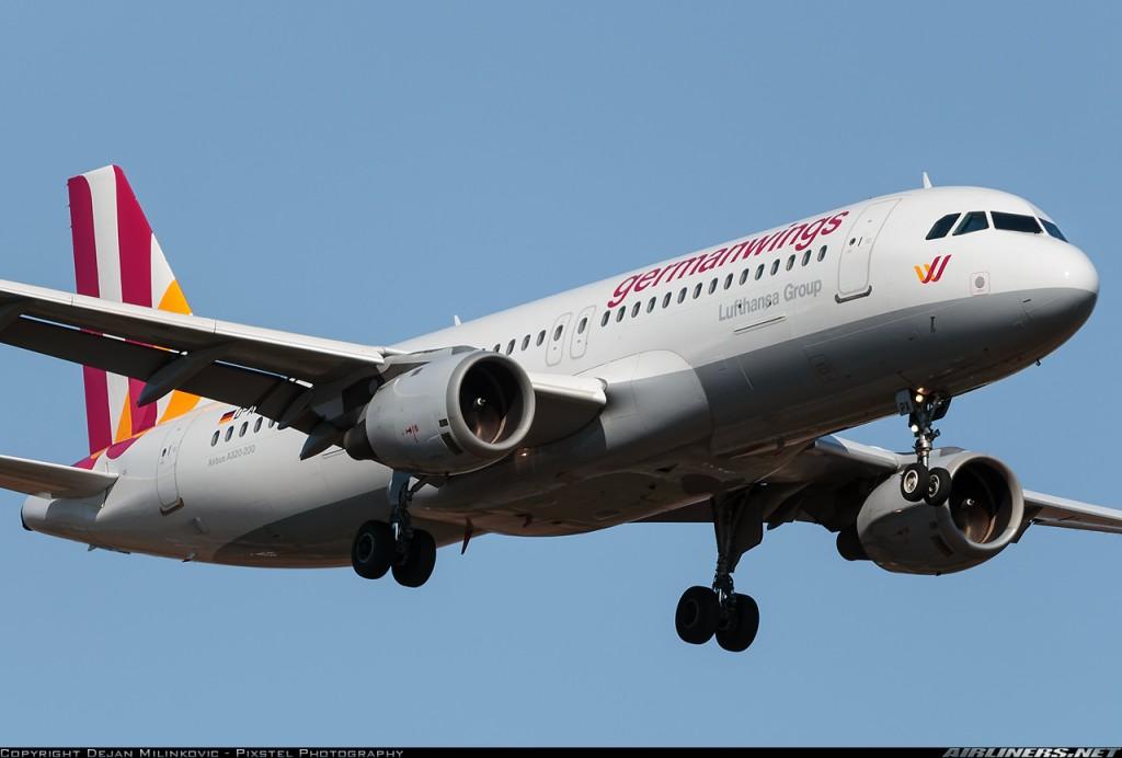Airbus A320-211 D-AIPX siniestrado, aproximándose al aeropuerto de Belgrado, en 2014 (Dejan Milinkovic - Pixstel Photography/Airliner.net)