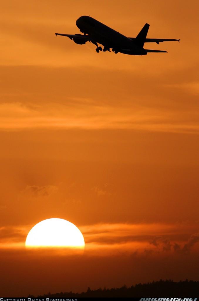 D-AIPX despega desde el aeropuerto de Zurich, en 2007, cuando aún operaba para Lufthansa (Oliver Baumberger / Airliners.net)