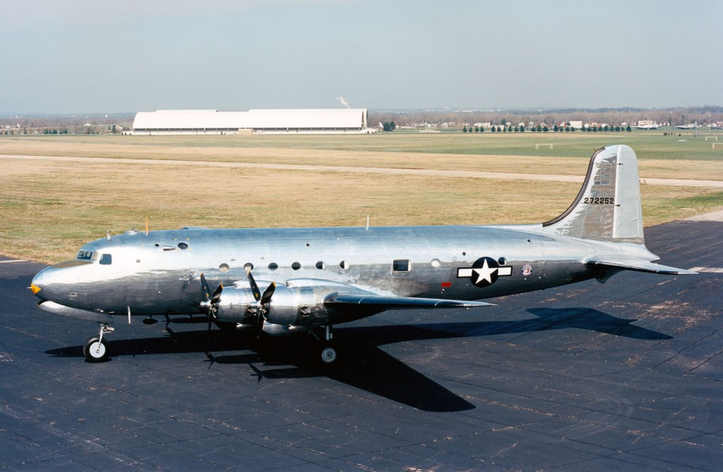 El VC-54C Sacred Crow, conservado en el National Museum of the United States Air Force. (U.S. Air Force photo)