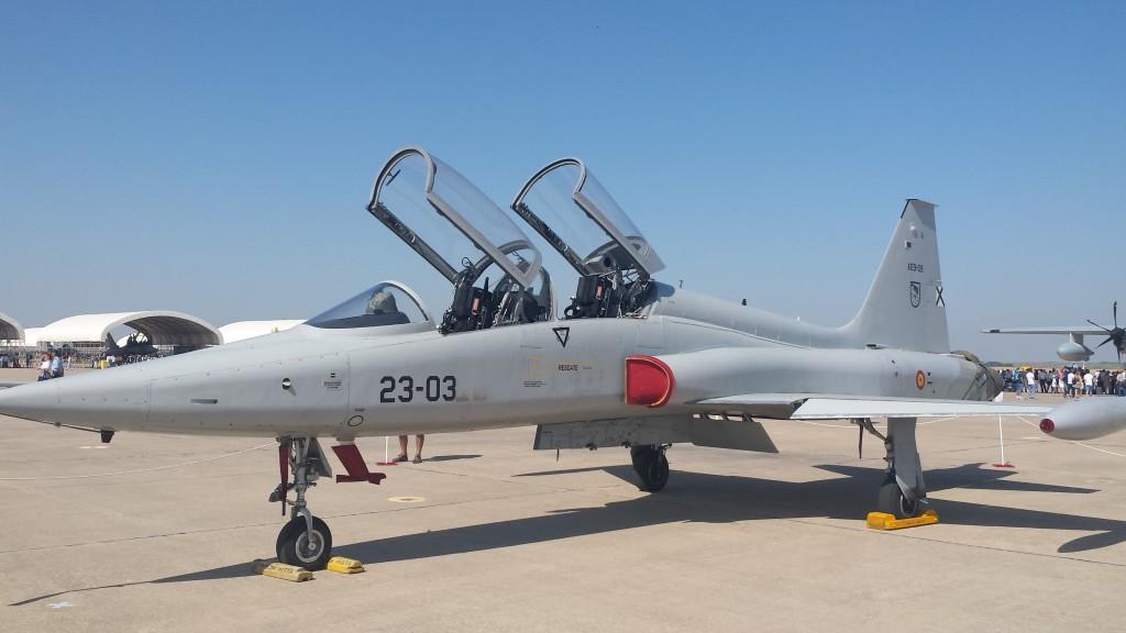 Un veteranísimo CASA F-5BM de enseñanza avanzada