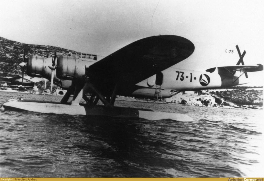 El Z.506B 73-1, flotando en la Base mallorquina de Pollensa, en 1938 (Francisco Andreu / Aviationcorner.net)