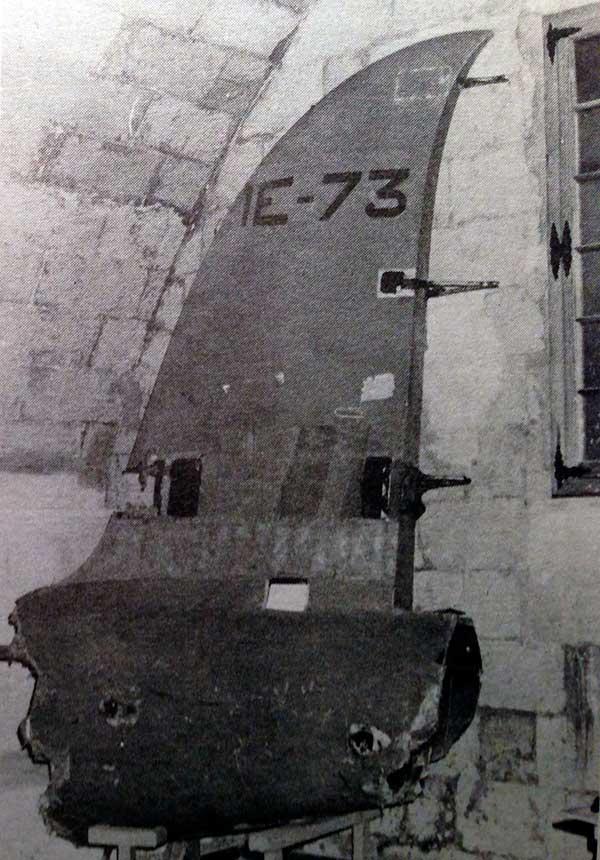 Restos de la cola del 73-1, recuperados del mar y llevados a Mahón, actualmente se encuentran en el Museo del Aire.