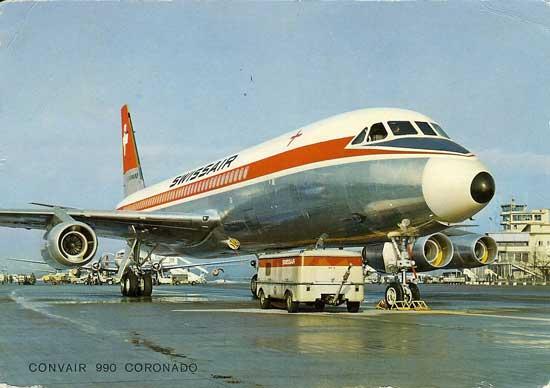 """Postal de la época con uno de los CV-990A de Swissair en el aeropuerto de Zürich-Kloten. La compañía helvética fue la que decidió bautizar a sus aviones como """"Coronado"""" (http://famgus.se)"""