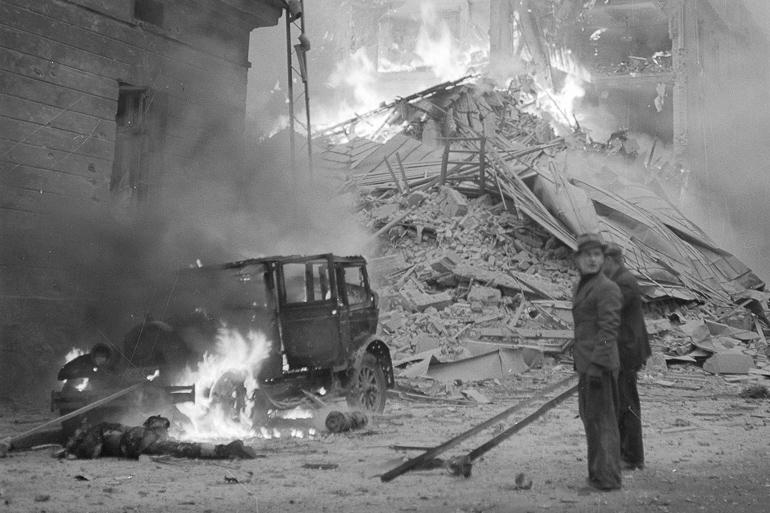 Efectos de los bombardeos sobre Helsinki, el 30 de noviembre de 1939, primer día de la guerra (https://whatthehelsinki.com)