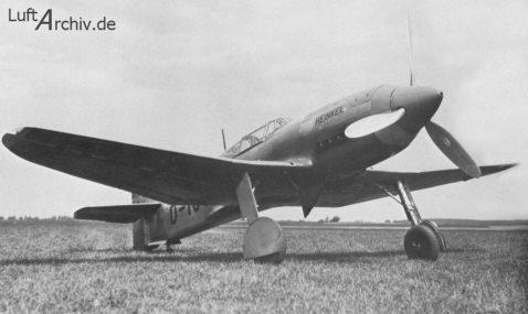Prototipo He 100V2. Con este aparato, Ernst Udet consiguió alcanzar en un circuito cerrado de 100 kilómetros la velocidad de 634,73 km/h (http://www.luftarchiv.de)
