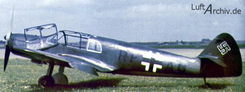Un Bf 108B en tareas de enlace con la Luftwaffe. Se pueden ver claramente las líneas genéticas aplicadas por Willy Messerschmitt en el posterior caza Bf 109. (http://www.luftarchiv.de)