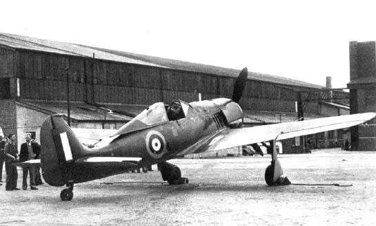 Otra vista del Fw 190 capturado. Tras varios meses de pruebas, el avión fue despojado de todos los equipos útiles y desguazado, en septiembre de 1943. (http://www.warbirdphotographs.com)