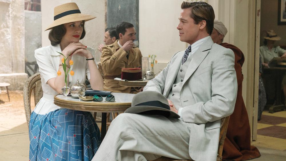 Brad Pitt y Marion Cotillard, tomando contacto en el Casablanca de 1942. Los días de vino y rosas iban a dejar paso a un verdadero thriller de espías (variety.com).